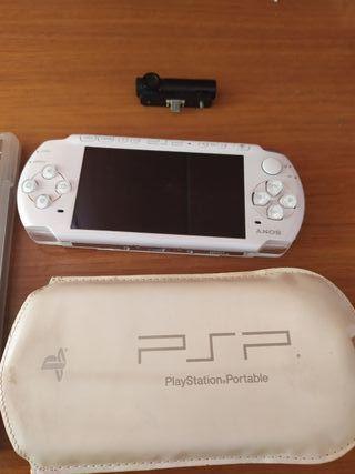 PSP + juegos+ funda+ accesorios