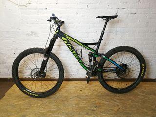 Bicicleta de Enduro Devinci Troy