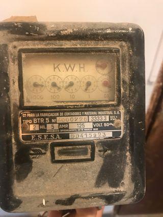 Contador electrico antiguo