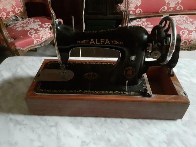 De todo un poco la máquina de coser está restaura de