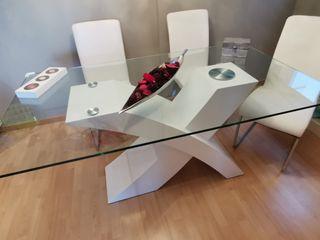 Mesa comedor diseño madera y cristal con sillas