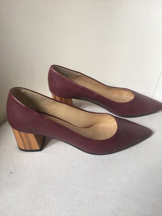 Zapatos de piel burdeos LESAC