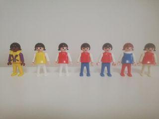 Niños y niñas Playmobil escuela