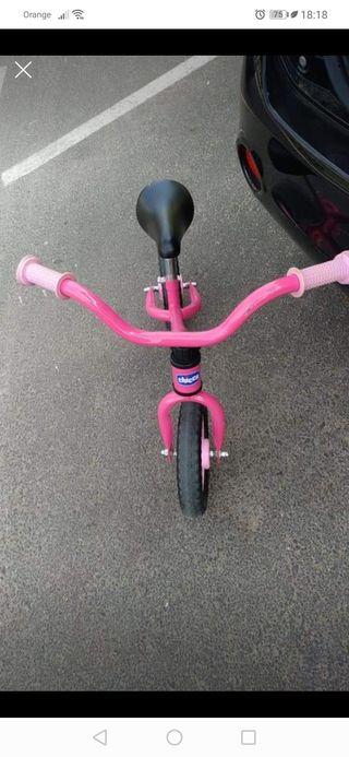 Se vende bicicleta rosa