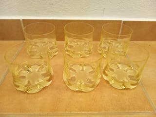 vasos de whisky vintage