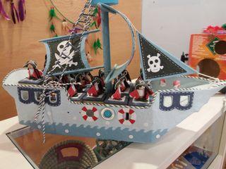 barco pirata con cajitas para detalles