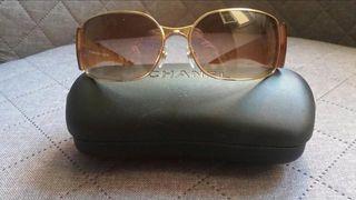 Gafas sol Chanel.