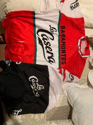 Equipaciones ciclistas talla XL