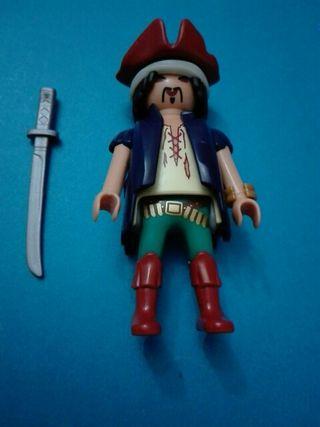 Playmobil pirata asiático