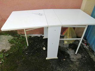 mesa extensible abierta y creada