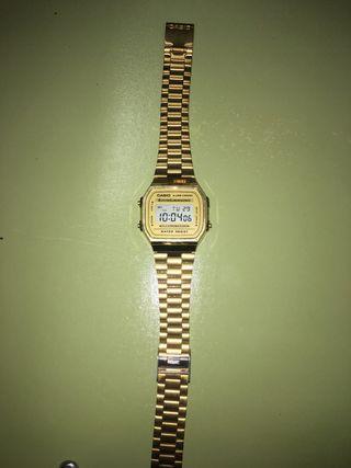 Reloj Casio color dorado