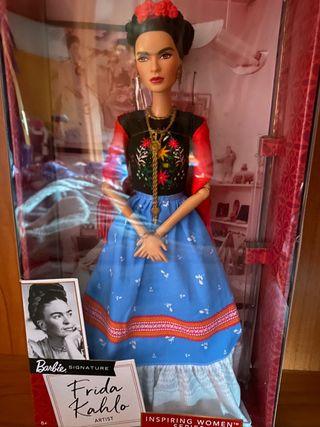 Barbie collector colección Frida Kahlo