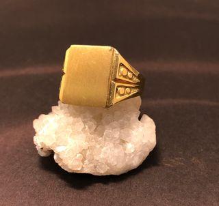 Sello de oro marillo de 18 kts