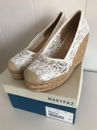Zapatos cuña nuevos