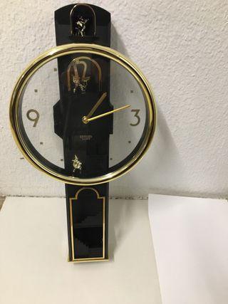 Reloj pendulo pared Citizen