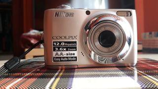 Camara de fotos NIKON.