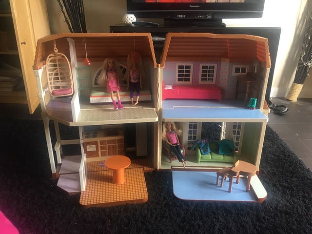 Hannah Montana beach dolls house