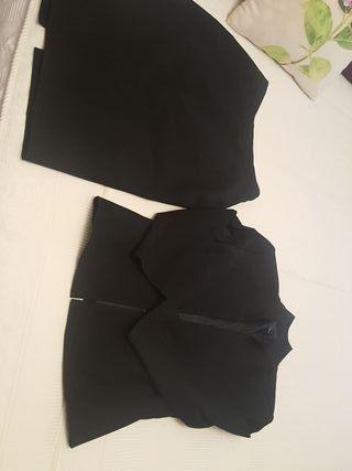 traje de chaqueta y falda