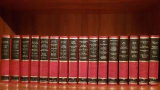 colección Asturianos Universales