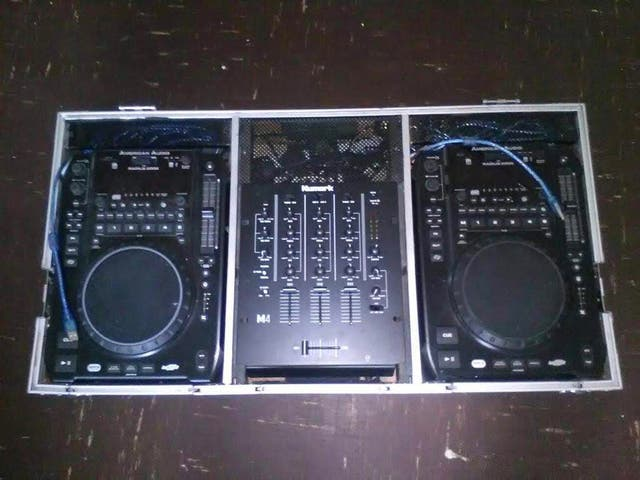 2x America audio cd deck and nurmark mixer