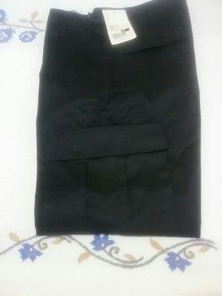 Pantalon de trabajo. Negro. Con etiqueta