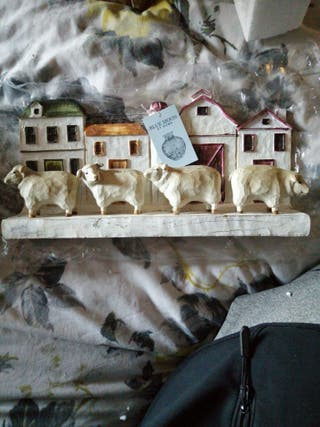 RESIN Wood EFFECT shabby sheep and cottage ornamen