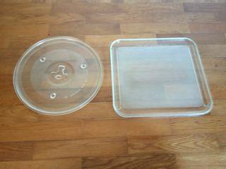 Dos platos de movimiento del microondas. 3€/Ud.
