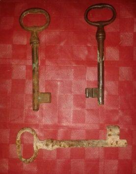 3 llaves antiguas de forja