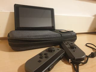NEW NINTENDO SWITCH WITH 4 GAMES