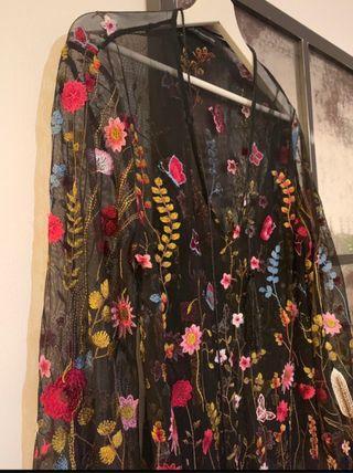 Vestido tul bordado flores
