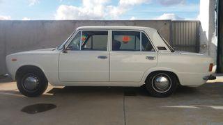 SEAT 124 FL 1978