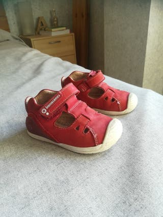Zapatos Biomecanics talla 24