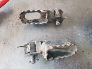 reposapiés Yamaha dt 125