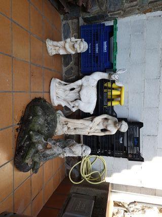 figuras de piedra para jardin.