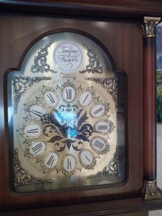 reloj de pared , nuevo marca TEMPUS FUGIOTE