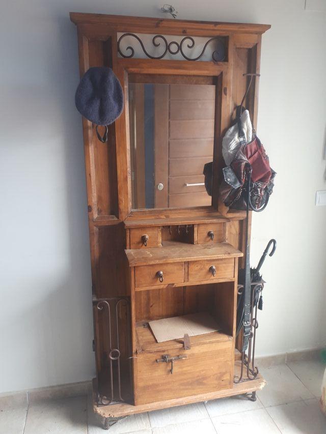 mueble de entrada mexicano