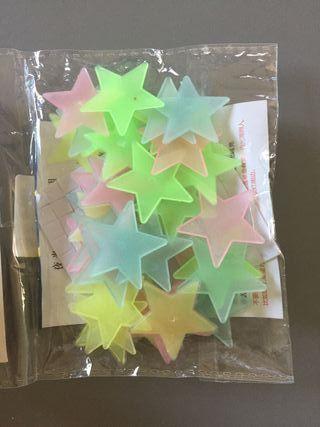 Estrellas fluorescentes colores techo habitación