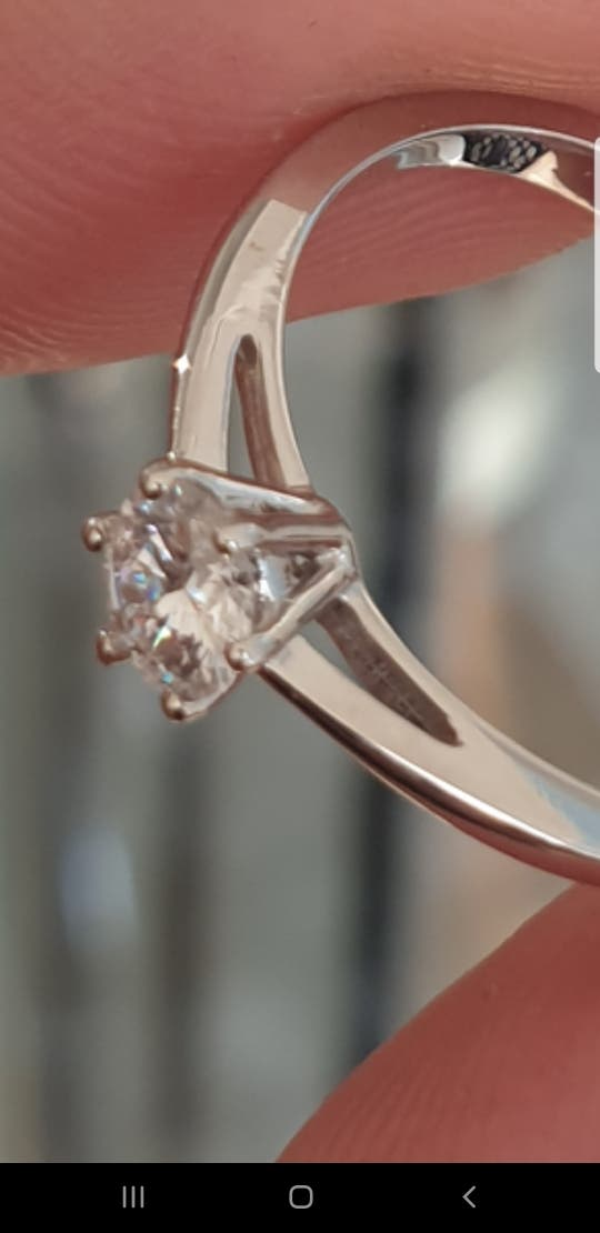Solitario diamante y oro estilo Cartier