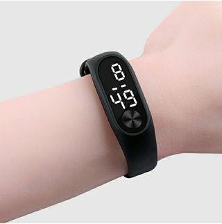 Reloj NUEVO parecido a smartband