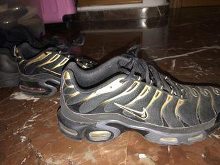 Zapatillas Nike TN talla 42,5