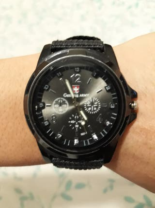 lindo reloj negro unisex