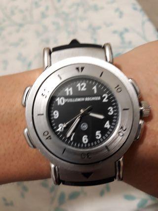 excelente reloj con brujula