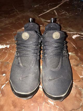 Zapatillas Nike talla 42