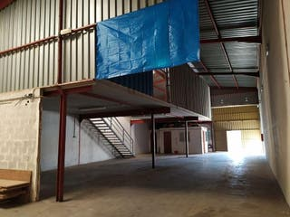 Nave industrial en alquiler en Catarroja