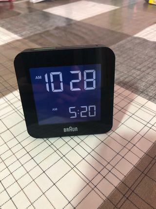 Despertador digital Braun