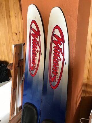 Esquís naúticos