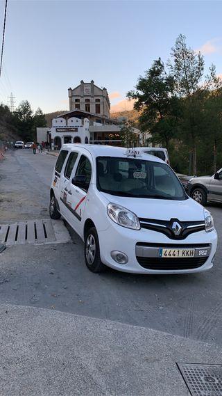 Licencia de Taxi con vehiculo adapatado