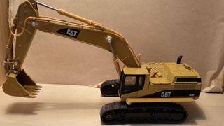 Maqueta nueva Retroexcavadora Caterpillar 365B L