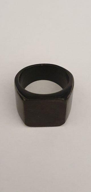 Anillo de acero negro