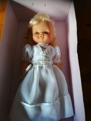 Muñeca Famosa Helen
